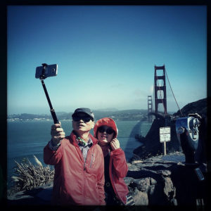 selfie-stick-golden-gate-bridge